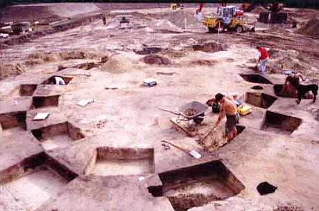 Blick auf eine Ausgrabung bei Daverden.
